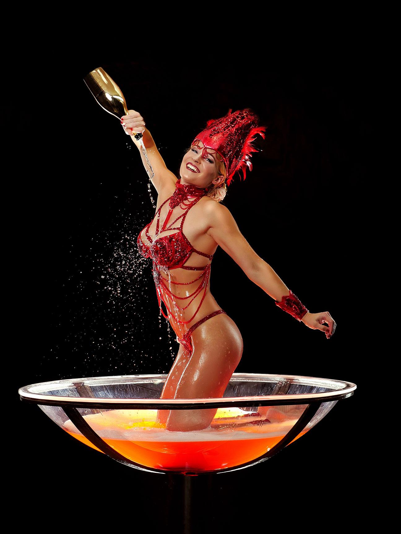 Burlesque Show im XXL Glas, Sektkelch, Partyglas, Partyshowglas.... mieten