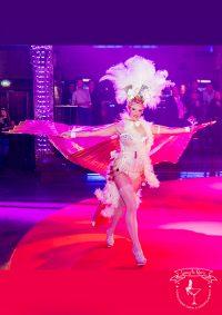 buchen sie Leony la Roc als Walking Act im Las Vegas Kostüm passend zu ihrem Themenabend Vegas