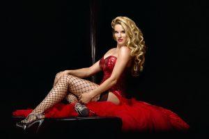 Ganz in Rot Leony la Roc´s Red Carpet Burlesque Show