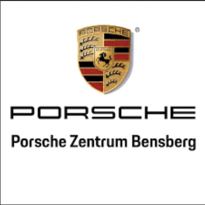 Extra für Porsche hat Leonilaroc ein goldenes James Bond Showkostüm herstellen lassen.